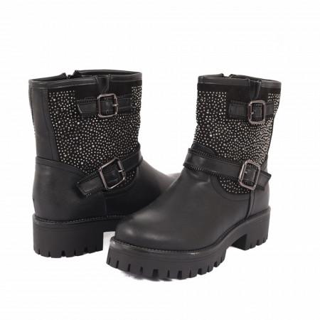 Ghete pentru dame cod Y23356 Negre - Ghete pentru dame din piele ecologică în combinație cu piele ecologică întoarsă decorate cu inserții metalice - Deppo.ro