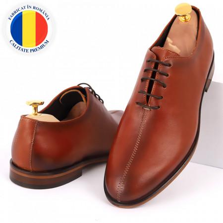 Pantofi din piele naturală pentru bărbați cod 2022 Maro - Pantofi din piele naturală pentru bărbaţi, model simplu, finisaje îngrijite cu un design deosebit - Deppo.ro