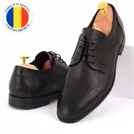 Pantofi din piele naturală pentru bărbați cod 2026 Negri - Pantofi din piele naturală pentru bărbaţi, model simplu, finisaje îngrijite cu un design deosebit - Deppo.ro