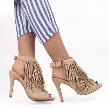 Sandale pentru dame cod S-03 BEIGE - Sandale pentru dame cu franjuri din piele ecologică întoarsă Închidere prin baretă Calapod comod - Deppo.ro