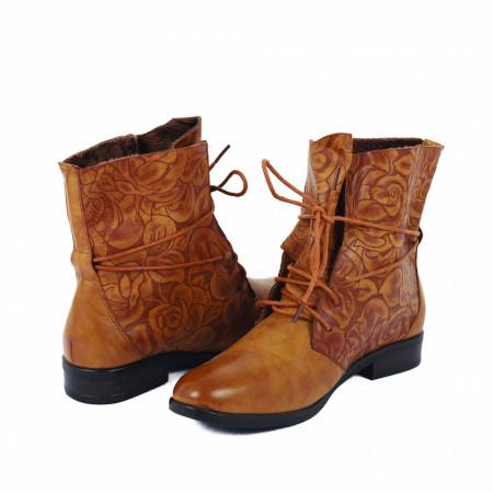 Ghete pentru dame cod 07271 Camel - Ghete din piele ecologică cu un model floral în stil texan - Deppo.ro