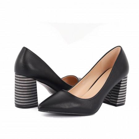 Pantofi Cu Toc Abril Black - Pantofi cu toc gros cu un model deosebit și vârf ascuțit din piele ecologică, foarte confortabili potriviți pentru birou sau evenimente speciale. - Deppo.ro