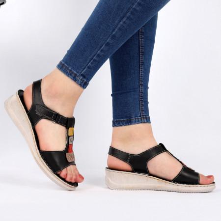 Sandale pentru dame din piele naturală cod 168850 Black - Sandale pentru dama din piele naturală  Model decorativ în partea din față  Închidere prin baretă  Calapod comod - Deppo.ro