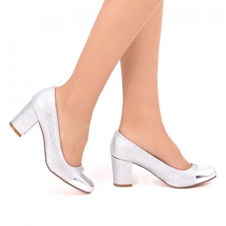 Pantofi cu toc cod SH860 Arginti - Pantofi argintii din piele ecologică cu vârf rotund, confortul purtării este sporit de tălpicul din piele ecologică - Deppo.ro