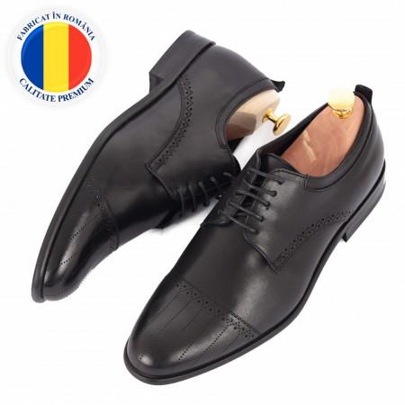 Pantofi din piele naturală Alvin Negru - Pantofi din piele naturală, model simplu, finisaje îngrijite cu undesing deosebit prin vârful perforat - Deppo.ro