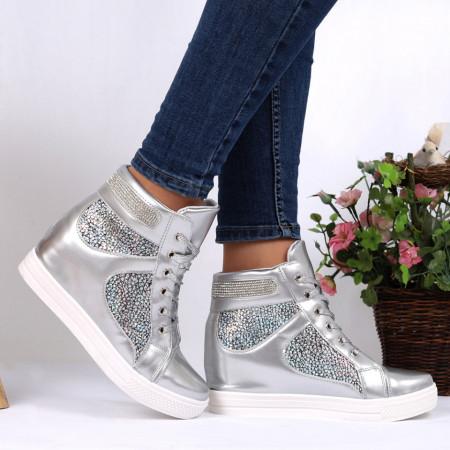 Pantofi Sport Erika Cod 695 - Pantofi sport din piele ecologică  Închidere prin șiret  Model cu strasuri  Foarte comfortabili - Deppo.ro