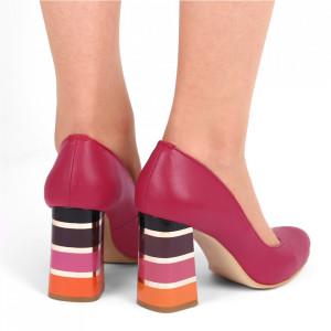 Pantofi cu toc din piele naturală Cod S21 Siclam - Pantofi cu toc din piele naturală moale  Toc cu model deosebit de frumos  Acești pantofi vă conferă lejeritate și eleganță - Deppo.ro