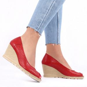 Pantofi din piele naturală cod 55672 Red