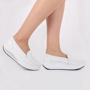 Pantofi din piele naturală cod A339 White - Pantofidin piele naturală pentru dame.  Talpă foarte comodă. - Deppo.ro