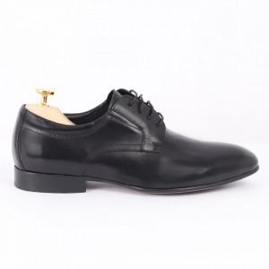 Pantofi din piele naturală negri cod 3264 - Pantofi pentru bărbaţi din piele naturală cu şiret, model simplu, finisaje îngrijite cu un design deosebit - Deppo.ro