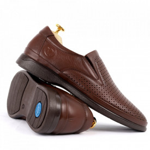 Pantofi din piele naturală pentru bărbați cod C8264 Brown - Pantofi din piele naturală moale pentru bărbați  Model perforat  Model simplu, finisaje îngrijite - Deppo.ro