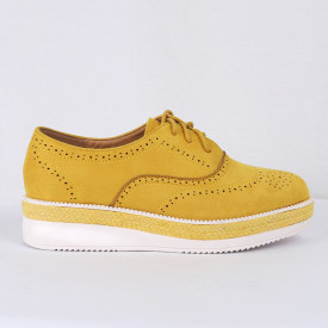 Pantofi pentru dame Cod B0002 Galbeni - Pantofii îți transformă limbajul corpului și atitudinea. Te înalță fizic și psihic! Pantofi pentru dame din piele ecologică lăcuită - Deppo.ro