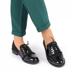 Pantofi pentru dame cod F20 Negri - Pantofi pentru dame, din piele ecologica întoarsă şi piele ecologică lăcuită - Deppo.ro