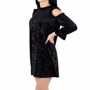 Rochie Lucia Black - Rochie neagră lejera cu umerii decupaţi din material tip catifea, elegantă dar în același timp lejeră - Deppo.ro
