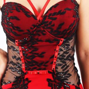 Rochie Sera Roșie - Cumpără îmbrăcăminte, încălțăminte și accesorii de calitate cu un stil aparte mereu în ton cu moda, prețuri accesibile și reduceri reale, transport în toată țara cu plată la ramburs - Deppo.ro