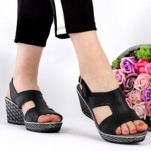 Sandale pentru dame din piele naturală cod 1554 Black - Sandale pentru dama din piele naturală  Închidere prin baretă  Calapod comod - Deppo.ro