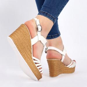 Sandale pentru dame din piele naturală cod 164807 White - Sandale pentru dama din piele naturală  Închidere prin baretă  Calapod comod - Deppo.ro