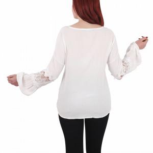 Bluziță tip iie simplă Lorena - Bluziță tip ie simplă, un design tradițional care poate fii purtată atât cu o pereche de pantaloni lungi cât și la o fustiță - Deppo.ro