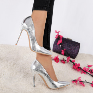 Pantofi Cu Toc Alyssa Silver - Pantofi cu toc ascuțit din piele ecologică cu un design unic . Fi in pas cu moda si străluceste la urmatoarea petrecere. - Deppo.ro
