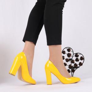 Pantofi cu toc cod 383210 Galbeni