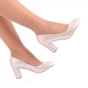 Pantofi cu toc cod C82 Apricot - Pantofi cu vârf rotund şi toc gros din piele ecologică, foarte confortabili cu un calapod comod - Deppo.ro