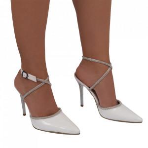 Pantofi Diamond - Pantofi cu toc cu un model deosebit din piele ecologică, foarte confortabili potriviți pentru birou sau evenimente speciale. - Deppo.ro
