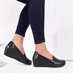 Pantofi din piele naturală cod 118092 Black - Pantofii îți transformă limbajul corpului și atitudinea. Te înalță fizic și psihic! Pantofi pentru dame din piele naturală Talpă ortopedică flexibilă și un calapod comod - Deppo.ro