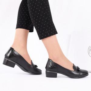 Pantofi din piele naturală cod 118948 Negri