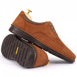 Pantofi din piele naturală Cod 601 Maro - Pantofi din piele naturală tip catifea  Model perforat , tălpicmoale ce conferă comoditatea de care ai nevoie! Finisaje îngrijite cu un design deosebit - Deppo.ro