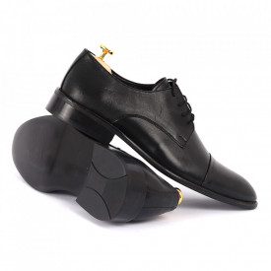 Pantofi din piele naturală cod KING-B Negri - Pantofi din piele naturală, model simplu, finisaje îngrijite cu undesign deosebit - Deppo.ro