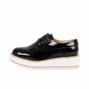 Pantofi pentru dame cod V16 Negri - Pantofi pentru dame, din piele ecologica lăcuită cu închidere prin șiret - Deppo.ro