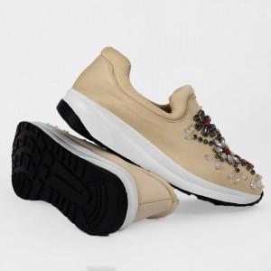 Pantofi Sport Cierra Cod 461 bej - Pantofi sport din piele ecologică întoarsă  Model înflorat din ștrasuri  Foarte comfortabili - Deppo.ro