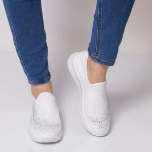 Pantofi Sport pentru dame Cod HQ-9-54 White - Pantofi sport pentru dame  Model decorativ cu pietricele  Talpă din spumă  Foarte ușori și comozi  Închidere prin șiret. - Deppo.ro