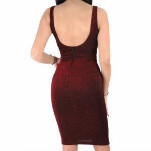 Rochie Lorin Red - Rochie elegantă stralucitoare, pune-ți silueta în evidență și atrage toate privirile, rochie conică, din material elastic cu fir lurex, decolteul generos și spatele gol, fronseul din talie îți pune în valoare formele, iar aspectul asimetric petrecut de la baza rochiei aduce un aer inedit tinutei. - Deppo.ro