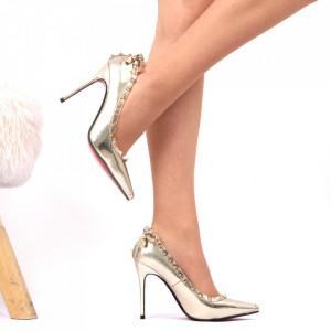 Pantofi cu toc Cod 7875 - Pantofi pentru dame din piele ecologică lăcuită Conferă lejeritate și eleganță - Deppo.ro