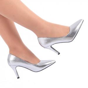 Pantofi cu toc cod C59 Arginti - Pantofi cu vârf ascuţit şi toc subţire din piele ecologică, foarte confortabili cu un calapod comod - Deppo.ro
