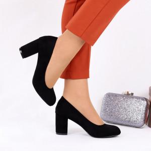 Pantofi cu toc cod EK0008 Negri
