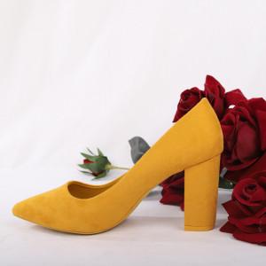 Pantofi cu toc cod OD0001 Galbeni - Pantofi cu toc gros și vârf ascuțit din piele ecologică întoarsă, foarte confortabili potriviți pentru birou sau evenimente speciale. - Deppo.ro