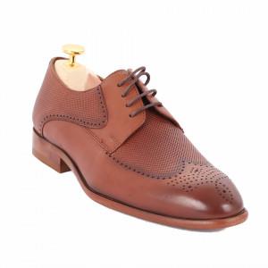 Pantofi din piele naturală Anton - Pantofi maro din piele naturală, model simplu, finisaje îngrijite cu undesing deosebit prin vârful perforat - Deppo.ro