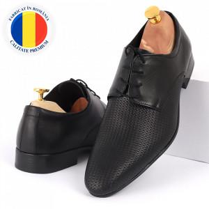 Pantofi din piele naturală negri cod 8667