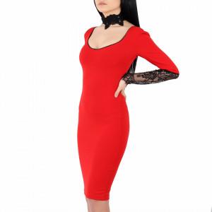 Rochie Ayla Red - Rochie roşie elegantă, cu dantelă pe mănecă și cu un decolteu atractiv + accesoriu pentru găt din dantelă - Deppo.ro