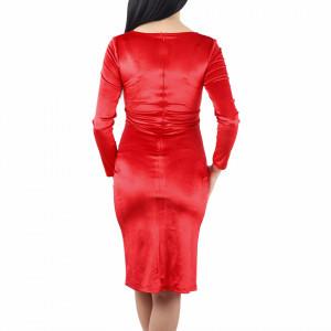 Rochie Roxanne Red - Rochie roşiedintr-un material elastic, pentru o ținută lejeră datorita croiului. Cu un decolteu in V șicroiul lejer iti asigura libertatea de miscare. - Deppo.ro