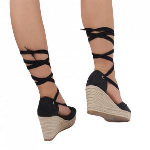 Sandale pentru dame cod BL00125 Black - Sandale cu un model deosebit din piele ecologică, foarte confortabili potriviți pentru birou sau evenimente speciale. - Deppo.ro