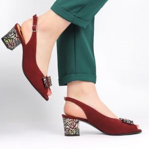 Sandale pentru dame din piele naturală cod 1203 Bordo - Sandale pentru dama din piele naturală  Închidere prin baretă  Calapod comod - Deppo.ro