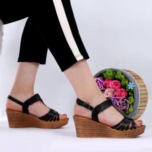 Sandale pentru dame din piele naturală cod 164816 Black - Sandale pentru dama din piele naturală  Închidere prin baretă  Calapod comod - Deppo.ro