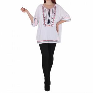 Bluziță tip iie tradițională Diana - Bluziță tip ie cu motive florale lungă, un design tradițional care poate fii purtată atât cu o pereche de pantaloni lungi cât și la o fustiță - Deppo.ro