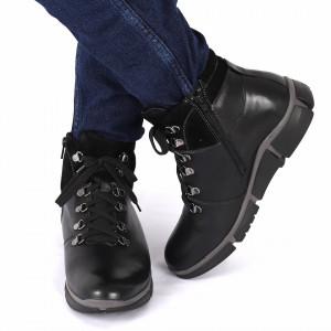 Ghete din piele naturală cod 158 Negre - Produs din piele natural cu interior ușor îmblănit și închidere cu șiret - Deppo.ro
