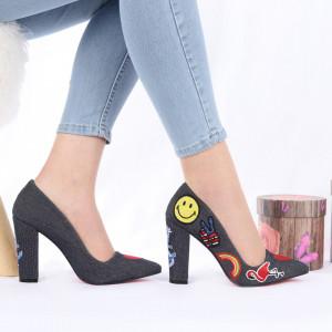 Pantofi cu toc cod 3409 Negri