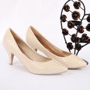 Pantofi cu toc cod 39986 Bej - Pantofi pentru dame din piele ecologică întoarsă  Conferă lejeritate și eleganță - Deppo.ro