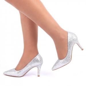 Pantofi cu toc cod C57 Arginti - Pantofi cu vârf ascuţit şi toc subţire din piele ecologică, foarte confortabili cu un calapod comod - Deppo.ro